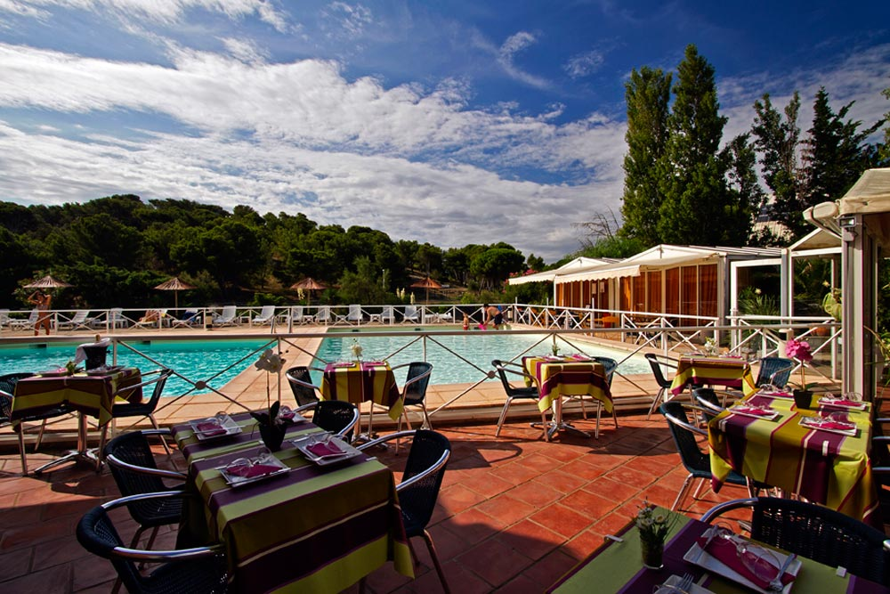 Hotel du casino le phoebus accueil for Restaurant avec piscine ile de france
